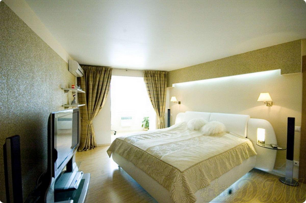Матовый натяжной потолок в спальню
