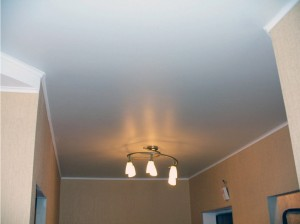 Матовый натяжной потолок в прихожую