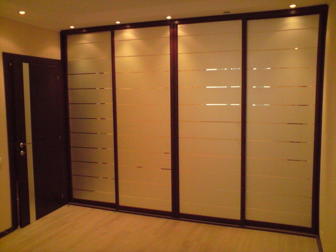 Встроенный шкаф в прихожую: фото и идеи дизайна.