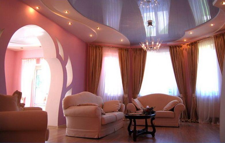 подвесные потолки для зала женщины