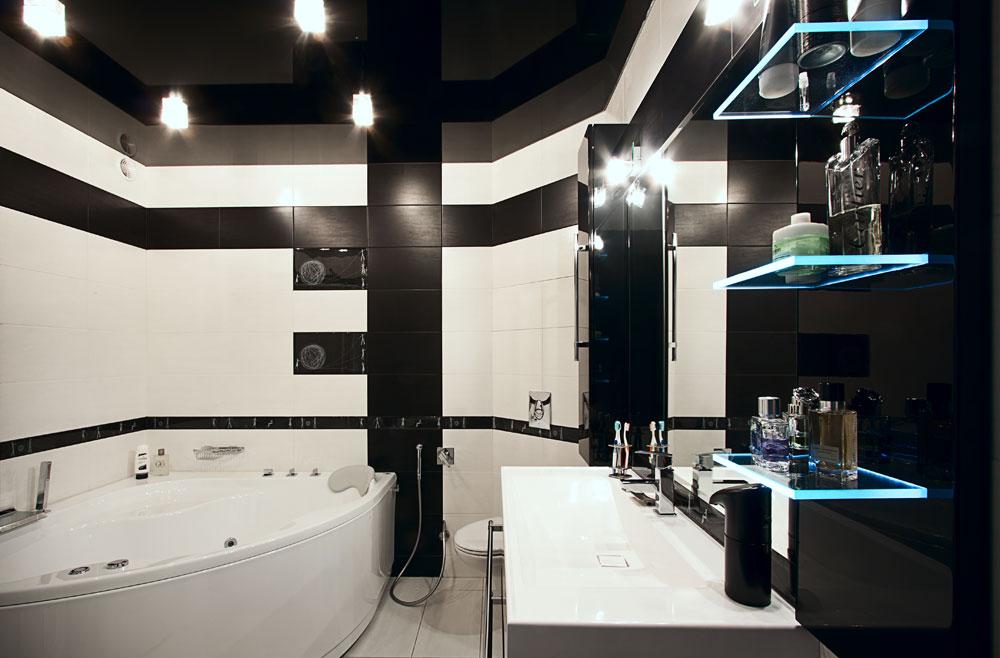 Черный натяжной потолок в ванных комнатах