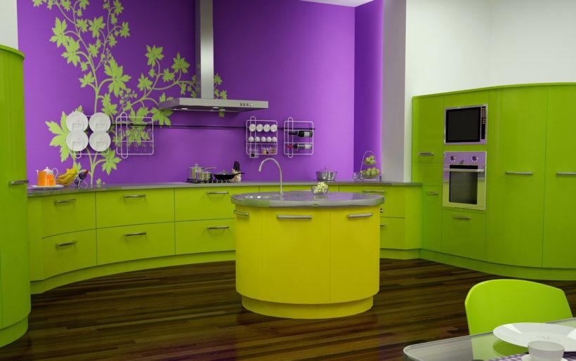 Красим стены на кухне