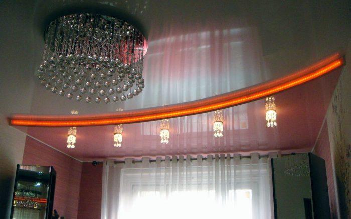 Наша компания выполнит монтаж натяжных потолков