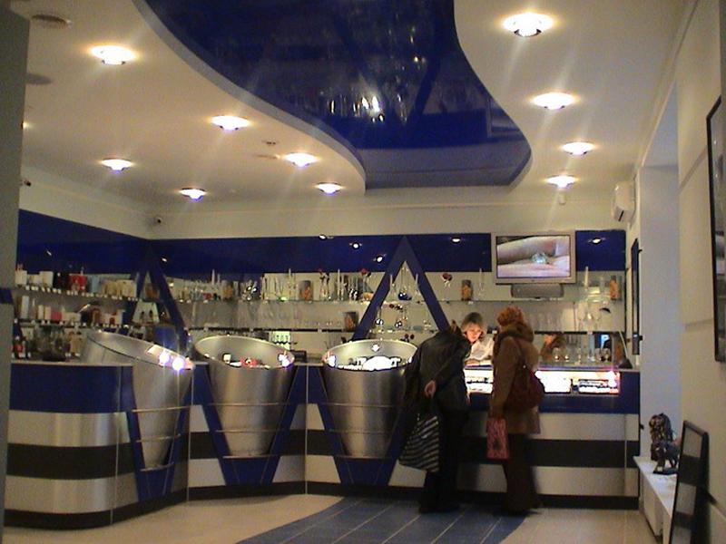 Натяжной потолок в продуктовый магазин