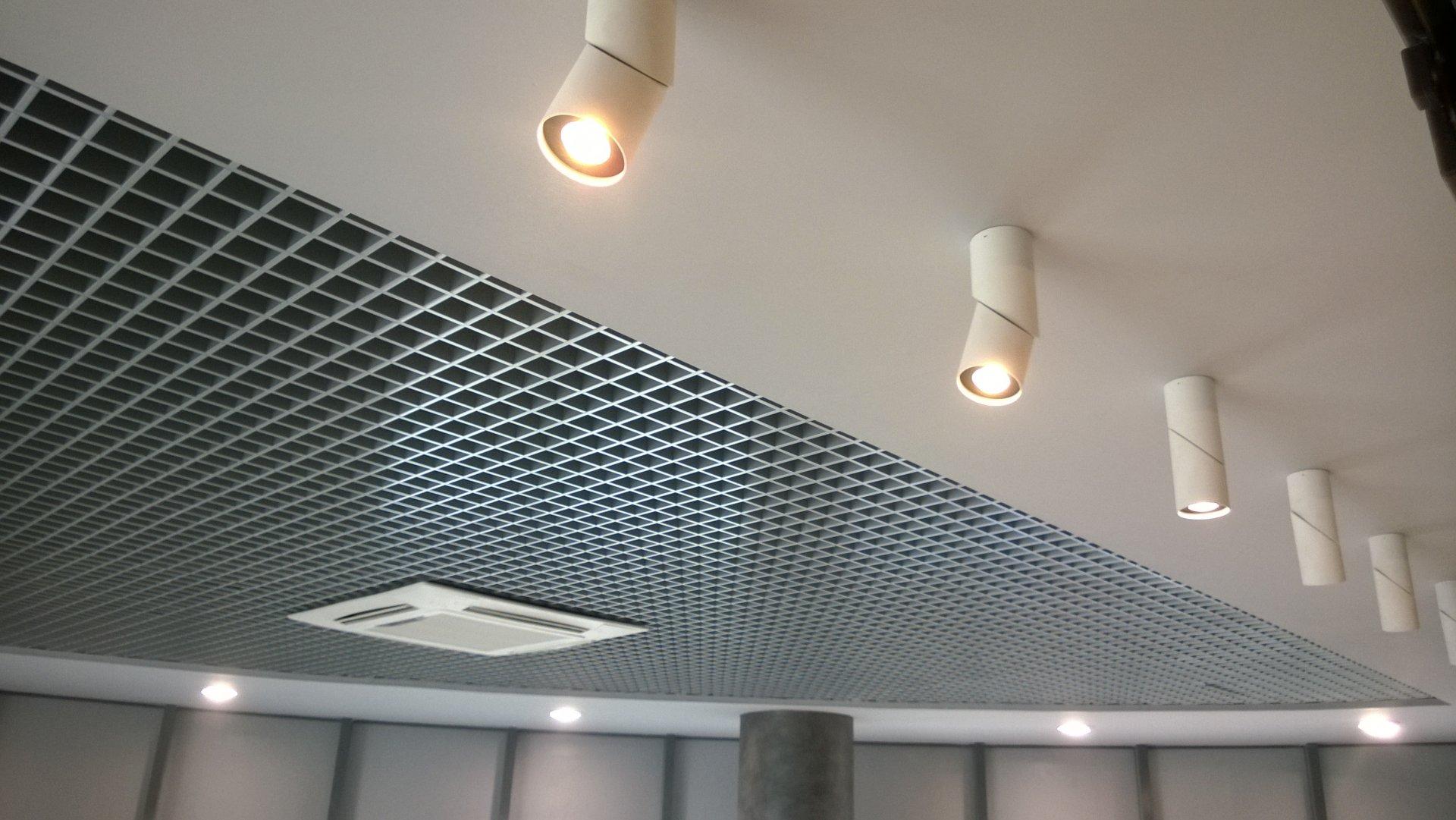 Подвесные потолки Грильято