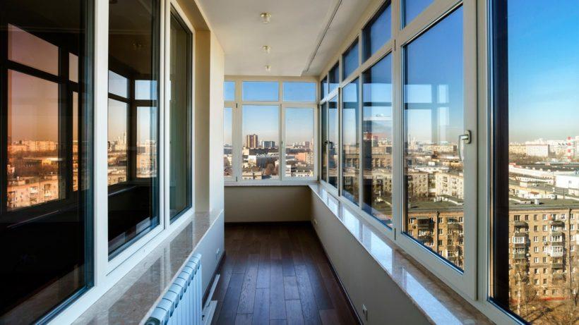 Распашное остекление балконов и лоджий