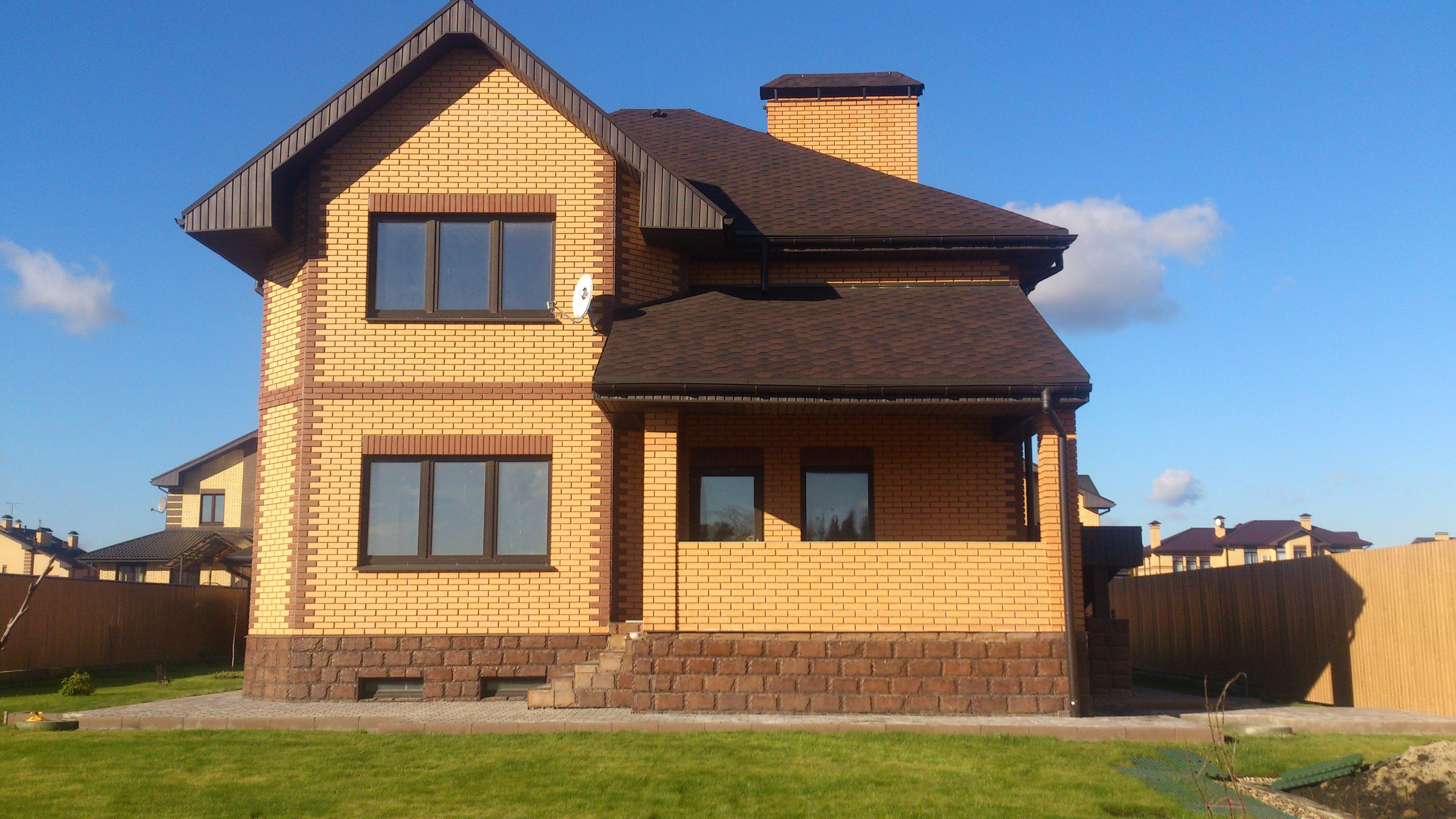 Строительство домов из блока и кирпича
