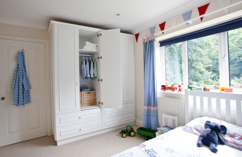 Удобный шкаф в детскую