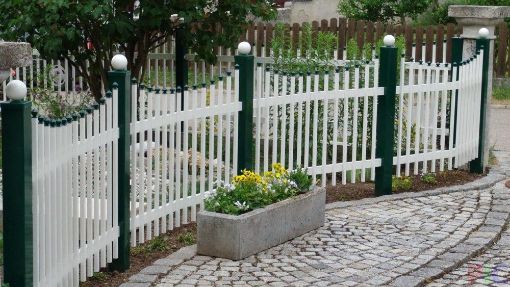 Забор перед домом своими руками фото 17