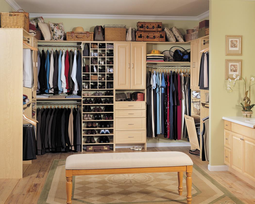 гардеробная комната для всей семьи