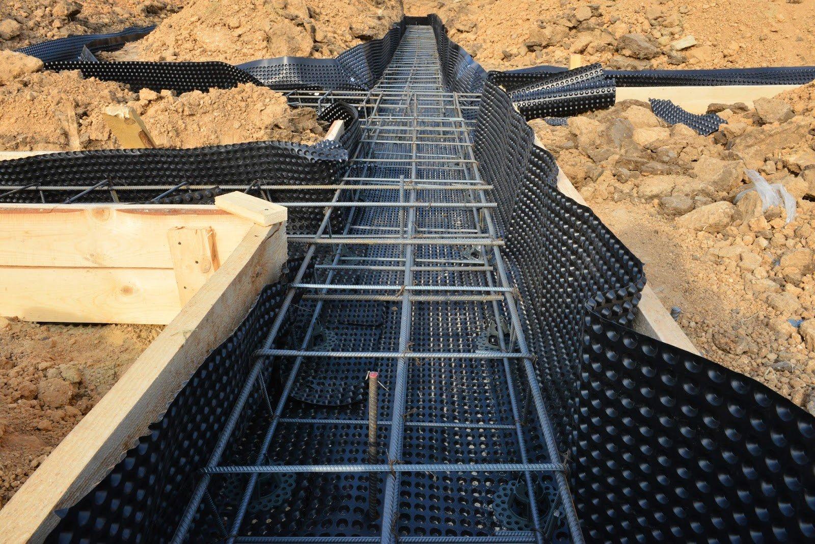 Какой фундамент подойдет для глинистой почвы