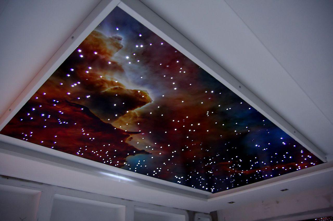Натяжной потолок «Звездное небо»